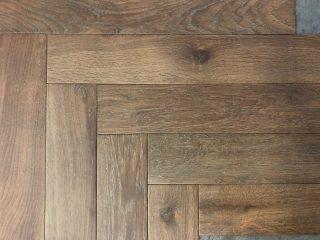 Houtlook tegel Visgraat 15x90 cm N13 Wash Bruin
