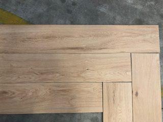 houtlook tegel visgraat eiken beige