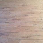 Houtlook tegels 20x120 cm DC1 bruin als woonkamer vloer