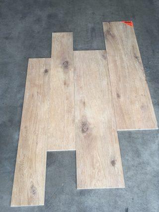 houtlook tegel DC 1 is in 3 verschillende mat beschikbaar